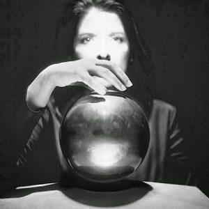 Via terapeutica e Via magica per un Futuro Felice